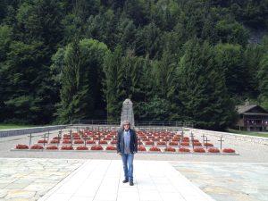 Cimeterio de Morette-Glières cantado por Valente